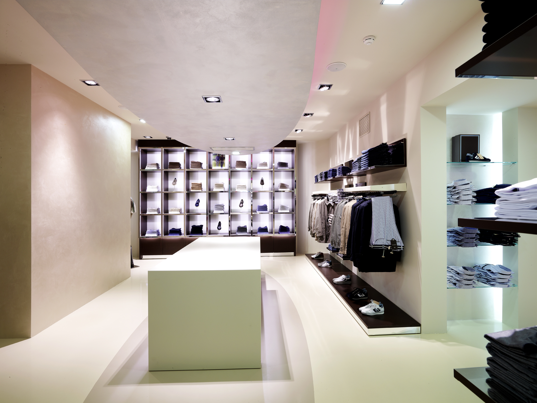 Fashion shop interior design1